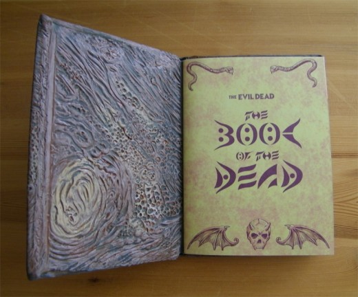 dvd-packaging-evil-dead-inside-cover