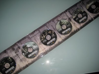 dvd-packaging-band-of-brothers-discs-set