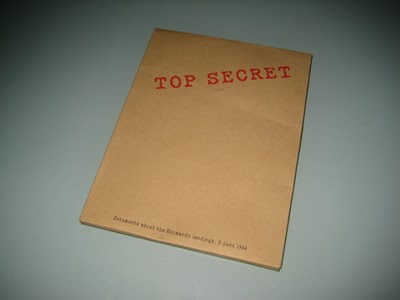 dvd-packaging-top-secret-folder