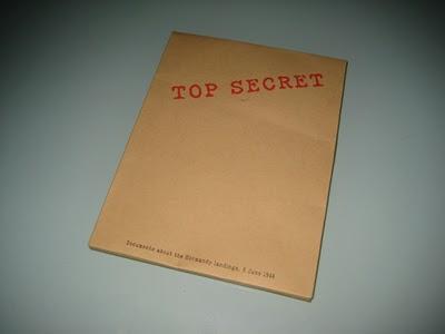 dvd-packaging-top-secret-folder