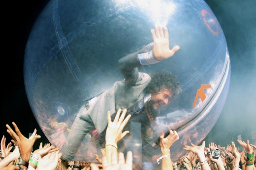 flaming lips crowd-surfing