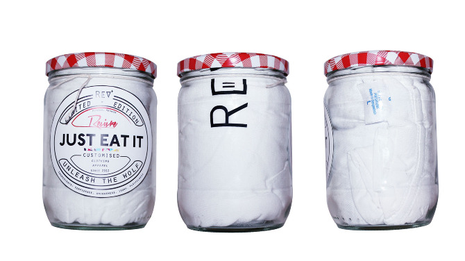 white jars t-shirt packaging