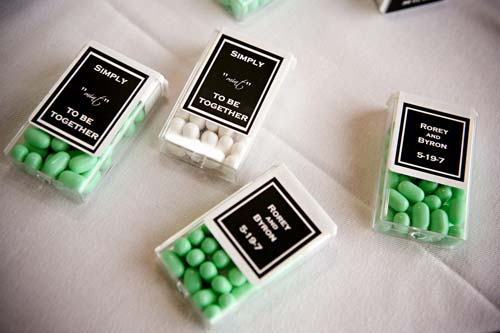 Practical wedding giveaways- breath mints