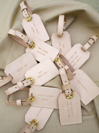 Practical wedding giveaways- bag tags