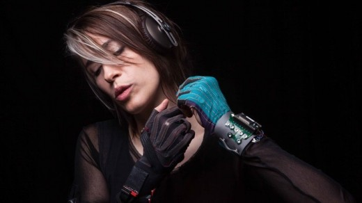 Imogen Heap Wearable Gloves