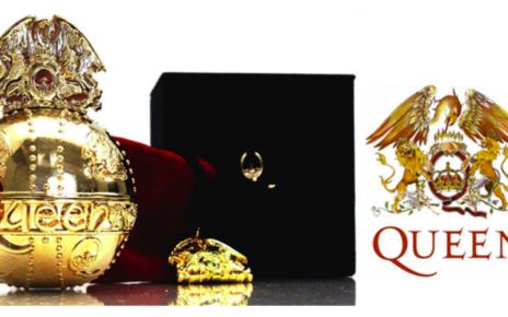 Queen USB packaging