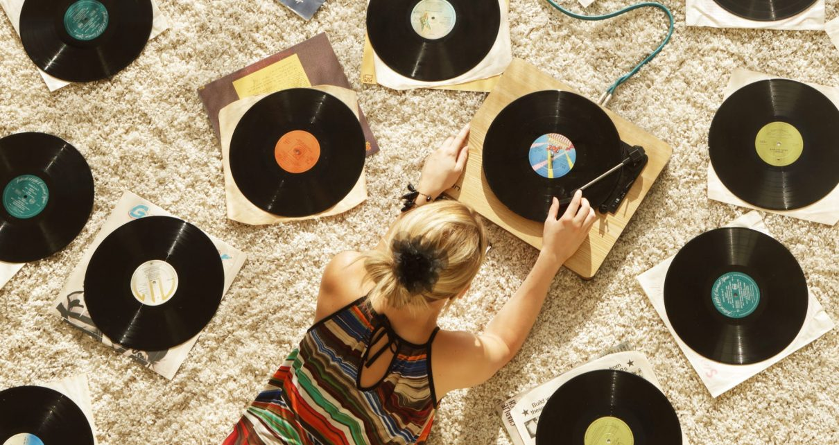 custom 12 vinyl record, What is the history of the 12-inch vinyl record format?